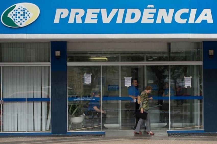 O INSS suspendeu o atendimento em suas agências por 15 dias, como medida de contenção do novo Covid 19 no País