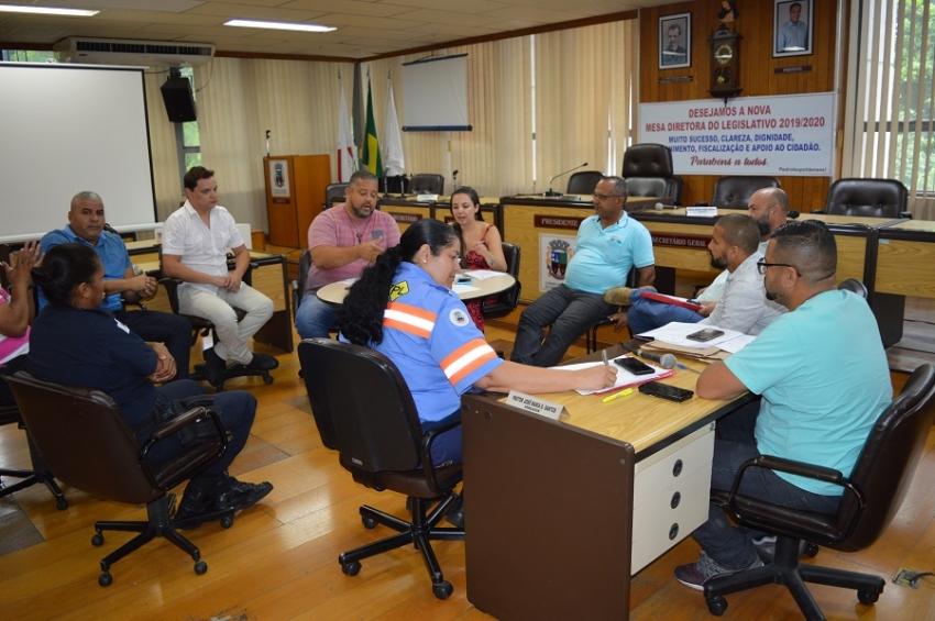 Comissão Especial do Transporte Escolar analisa situação dos veículos escolares municipais