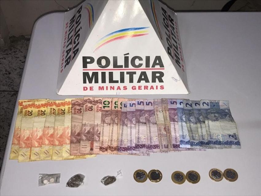 Uma dupla foi detida no centro de Pedro Leopoldo,  durante um patrulhamento na área central da cidade.