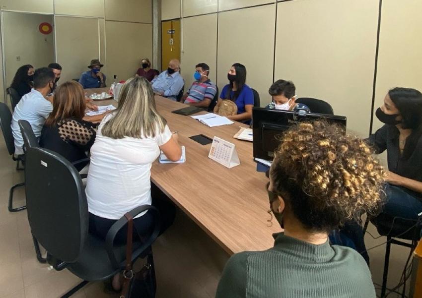 Prefeitura faz reunião para definir sobre as novas entregas do Kit Merenda Escolar