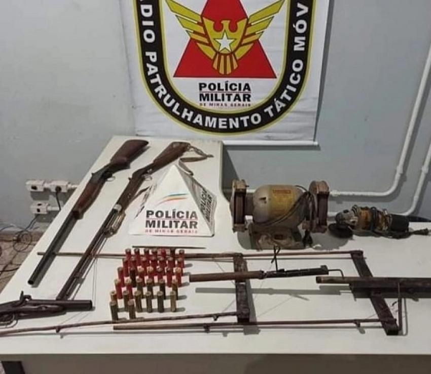 Armas de fogos foram apreendidas pela policia Militar em Capim Branco e um homem foi preso