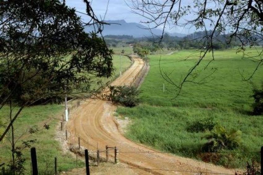 Caseiro é amarrado em assalto em  fazenda na região do Urubu