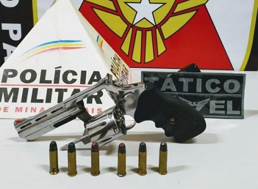 Um homem é preso no bairro Santa Fé por ameaça de morte e porte ilegal de arma de fogo