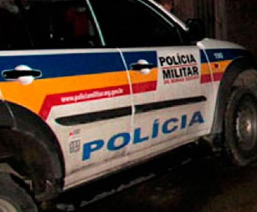 Policia prende suspeitos de tráfico de drogas e apreende arma de fogo, drogas e dinheiro em Pedro Leopoldo