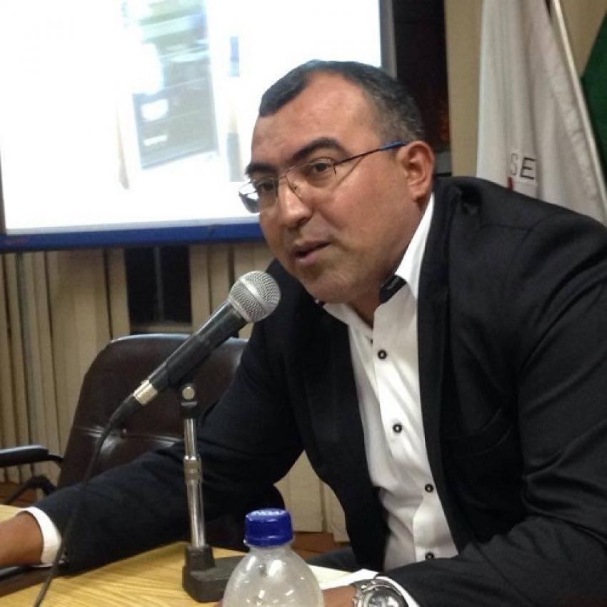 Alex Fabiano cobra posicionamento sobre pagamentos de funcionários terceirizados da prefeitura