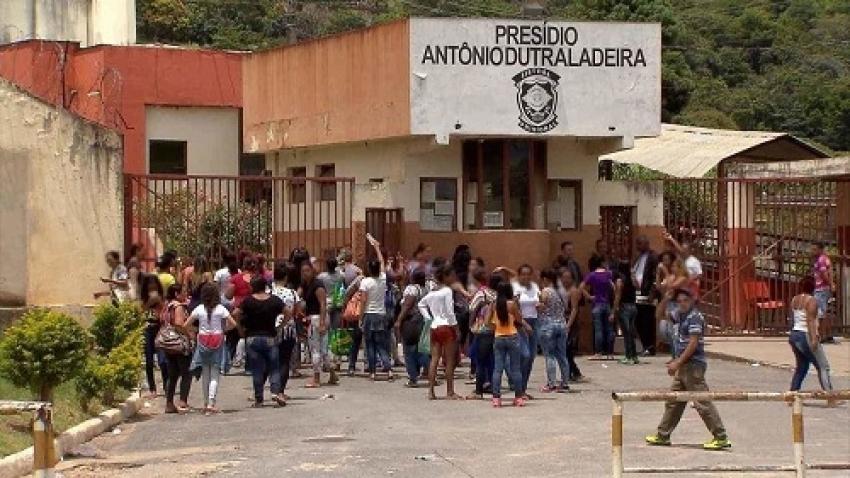 Aproximadamente 1.500 detentos do presídio em Neves vão ser liberados pela justiça passam a cumprir prisão domiciliar em razão da pandemia do Corona Vírus.