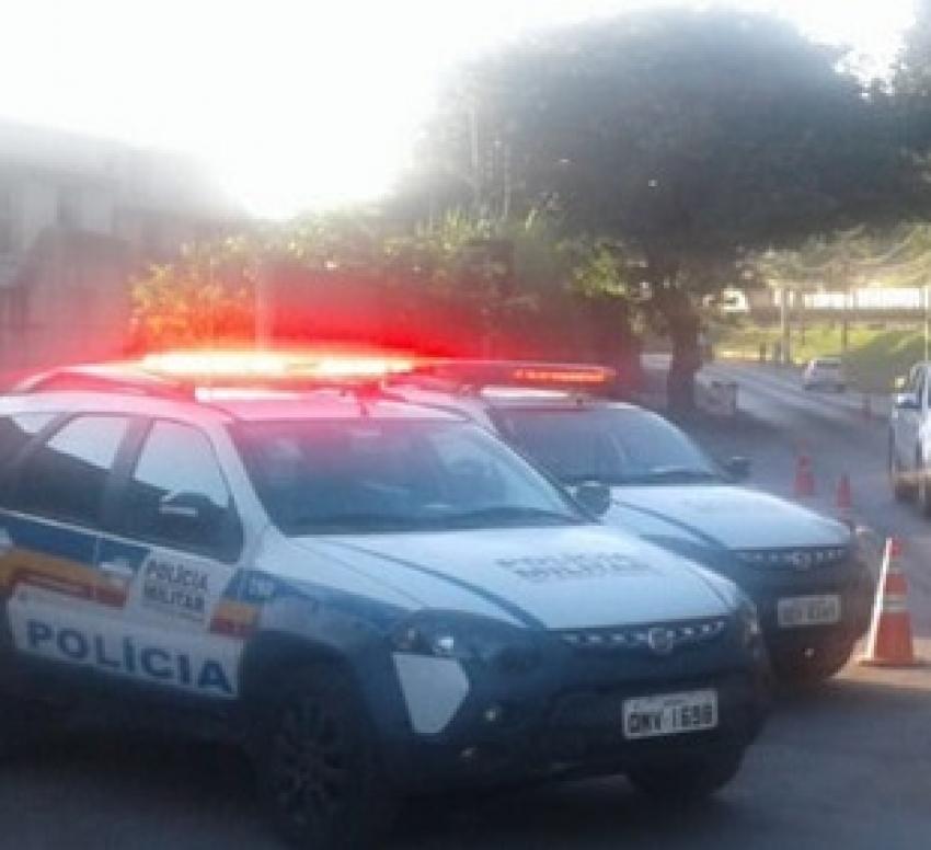 Policia Militar recupera dois veículos com queixa furto/roubo em Pedro Leopoldo