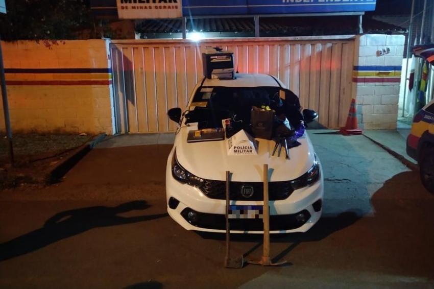 Depois de uma perseguição policial dois arrombadores foram presos, após dois furtos no centro de Pedro Leopoldo