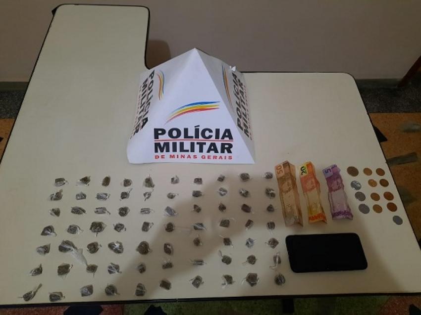 Dois homens foram presos em Matozinhos com 70 buchas de maconha