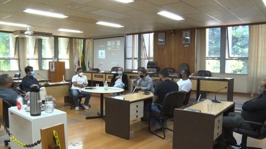 Câmara discute com o executivo regulamentação de pagamento de horas extras aos enfermeiros de Pedro Leopoldo