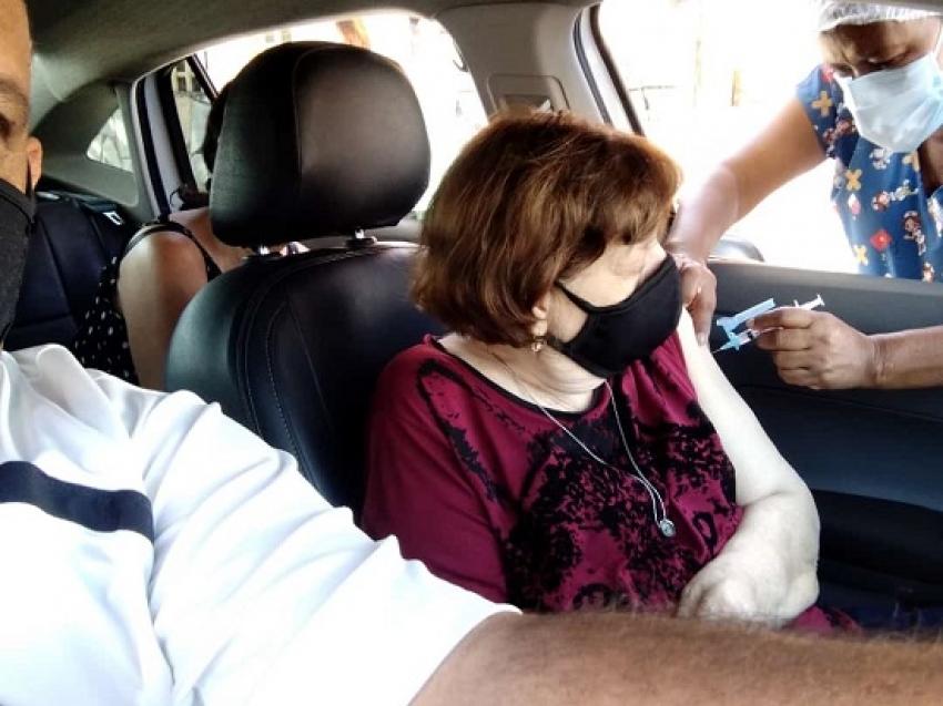 Nesta terça-feira, 06, Pedro Leopoldo vacina pessoas com 70 ou mais contra o Covid-19