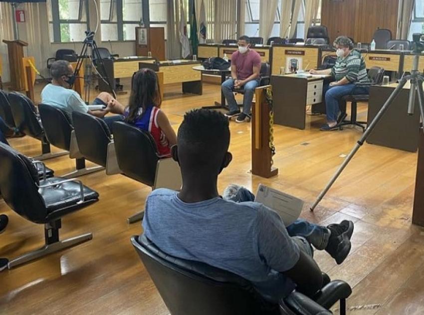 Vereador Fred Piau e atletas pedem a implementação da Lei Municipal do Bolsa Atleta em Pedro Leopoldo