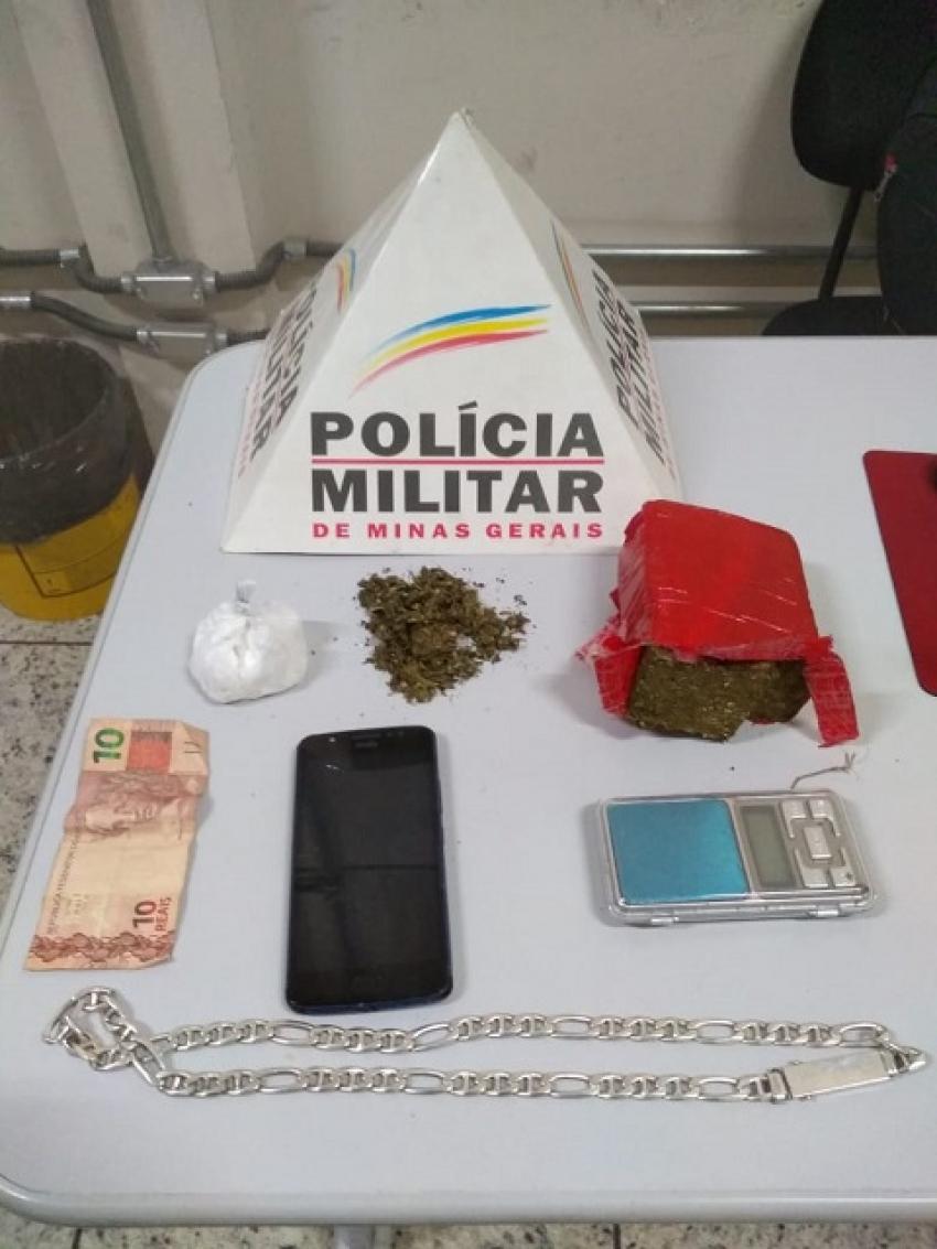 Militares da Tático Móvel da 11ª Cia aprende drogas, balança e prende um suspeito de trafico no Novo Campinho