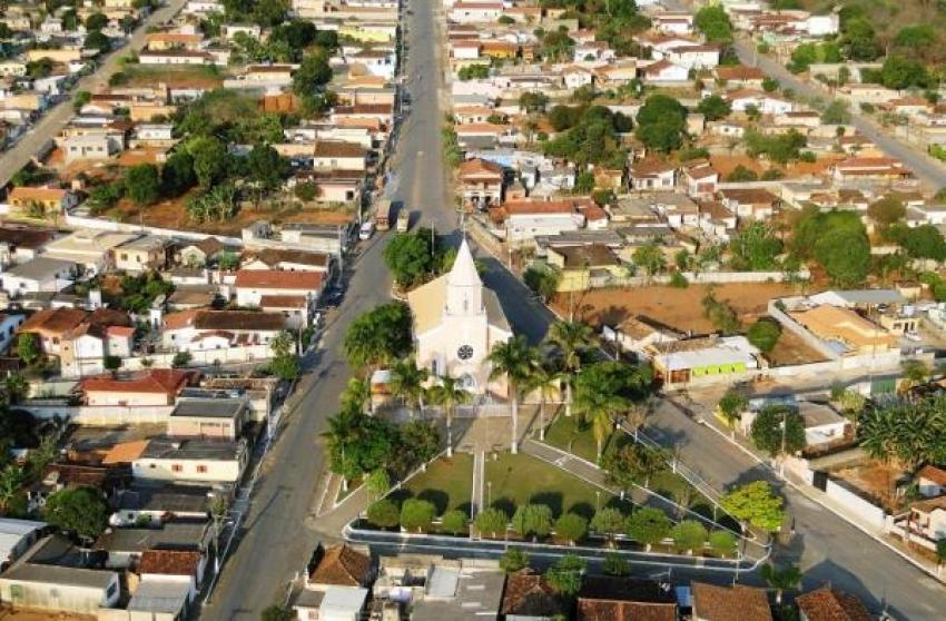 Policia Militar prende suspeito de trafico e apreende drogas em Capim Branco