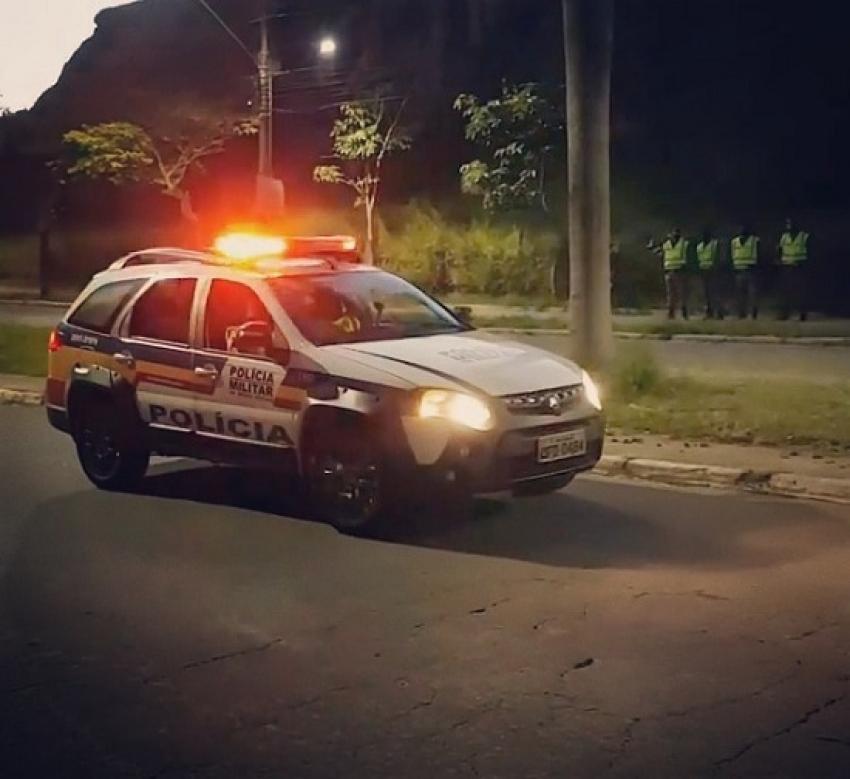 Condutor de veiculo tem mal súbito e bateu em um poste na estrada de Quinta do Sumidouro
